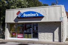 Indianapolis - Circa September 2016: Restaurant Om mee te nemen IV van Domino's Pizza Stock Fotografie