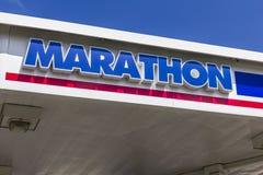 Indianapolis: Circa septiembre de 2016: Gasolinera de la venta al por menor del petróleo del maratón El petróleo del maratón refi Imágenes de archivo libres de regalías