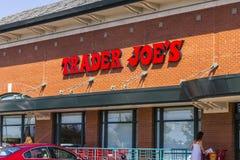 Indianapolis - circa septiembre de 2016: Ubicación al por menor II del centro comercial de Joe del comerciante Imagen de archivo