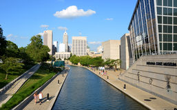Indianapolis horisont från kanalen går Fotografering för Bildbyråer
