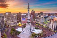 Indianapolis, Indiana, paisaje urbano de los E.E.U.U. y monumento foto de archivo