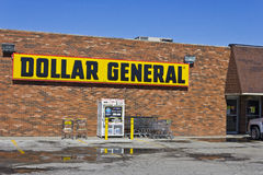 Indianapolis - marzo 2016: Posizione al minuto generale II del dollaro Fotografia Stock