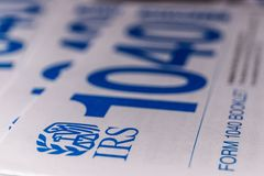 Indianapolis - Około Marzec 2019: Nowe IRS 1040 podatku formy Nowe 1040 form upraszczają od uprzednich rok II obraz stock