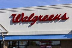 Indianapolis - Około Listopad 2016: Walgreens handlu detalicznego lokacja Walgreens jest Amerykańskim firmą farmaceutyczną IX Fotografia Stock