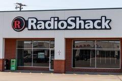Indianapolis - Około Maj 2018: Zamykająca RadioShack lokacja, inny biznes który nie udać się po bankructwa Mnie Zdjęcia Royalty Free