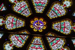Indianapolis: Około Marzec 2018: Róży okno przy Świętym Kierowym kościół katolickim Ten parafia ustanawiał w 1875 V zdjęcie royalty free