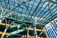 Indianapolis - Około Marzec 2018: Szklany obramowany atrium przy Indianapolis Środkową biblioteką Ja obraz stock