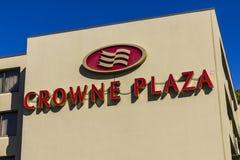 Indianapolis - Około Październik 2016: Crowne placu Lotniskowa Hotelowa lokacja Crowne plac jest częścią międzykontynentalna hote fotografia stock