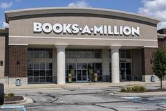 Indianapolis - vers en août 2017 : Les livres-Un-million vendent l'emplacement au détail de devis Les livres-Un-million est la de Photo libre de droits