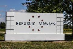 Indianapolis - vers en juillet 2017 : Signage de participations de voies aériennes de République près de l'aéroport I Images libres de droits