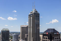 Indianapolis - vers en juin 2017 : Horizon du centre d'Indianapolis sur Sunny Day comprenant la tour I de Salesforce Photos libres de droits