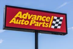 Indianapolis - vers en juin 2017 : Les pièces d'auto anticipées vendent l'emplacement au détail IV Photos stock