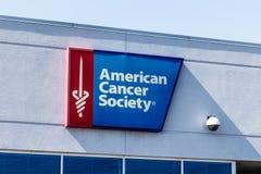 Indianapolis - vers en mars 2018 : Le bureau américain local d'Association du cancer, L'ACS est consacré à éliminer le cancer I Images stock