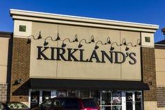 Indianapolis - vers en novembre 2016 : Kirkland, emplacement au détail de devis Les ventes de Kirkland autoguident des accessoire Images libres de droits