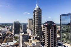 Indianapolis - vers en septembre 2016 : Horizon du centre d'Indianapolis sur Sunny Day II Image libre de droits