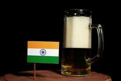 Indianin flaga z piwnym kubkiem na czerni Obraz Stock