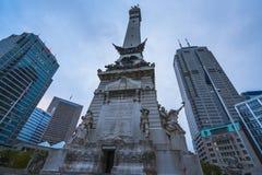Indiannapolis,印第安纳,美国 -战士和水手纪念碑在tra 免版税库存照片