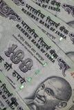 Indiano cento banconote della rupia immagini stock