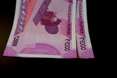 Indiano novo 2000 notas da rupia Fotografia de Stock Royalty Free