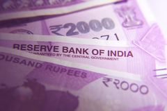 Indiano novo 2000 notas da rupia Fotografia de Stock