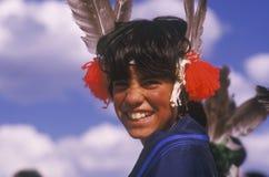 Indianungdom i den traditionella dräkten för ceremonin för havredans, Santa Clara Pueblo, NM Royaltyfri Foto