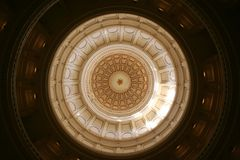 Indic o edifício do Capitólio em Austin da baixa, Texas fotos de stock royalty free