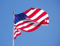 Indicador americano contra el cielo azul Fotografía de archivo