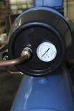 Indicador azul del compresor Imagenes de archivo