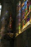Indicador da igreja do vidro manchado fotos de stock