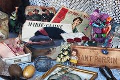 Indicador da loja dos pequeno-mercadorias do vintage imagem de stock