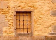 Indicador de Bricked-up na parede da igreja antiga Imagens de Stock Royalty Free