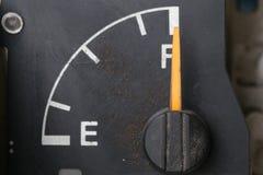Indicador de la gasolina viejo Imágenes de archivo libres de regalías