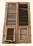 Indicador de madeira velho com obturadores Foto de Stock Royalty Free