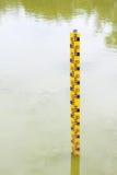 indicador de nível de água na água fotos de stock royalty free