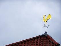 Indicador de viento del gallo imagen de archivo libre de regalías