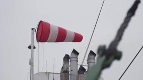 Indicador de viento en la nave metrajes