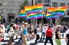 Indicador del arco iris en el orgullo 2010 de Toronto Imagen de archivo