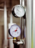 Indicadores de la temperatura y de presión Fotos de archivo libres de regalías