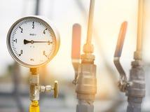 Indicadores de presión mecánicos Instrumentos tradicionales para la presión de medición Imagen de archivo libre de regalías
