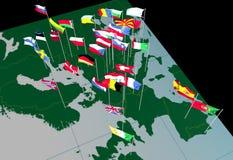 Banderas europeas en el mapa (visión del oeste) fotografía de archivo