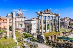 Indicadores velhos bonitos em Roma (Italy) imagens de stock royalty free
