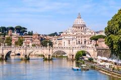 Indicadores velhos bonitos em Roma (Italy) Basílica de St Peter em Vatican imagem de stock royalty free