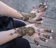 Indicando Henna Tattoo imagens de stock