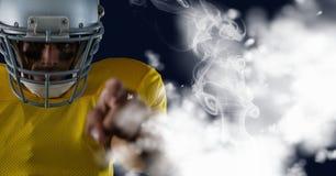 Indicare del giocatore di football americano fotografia stock libera da diritti