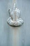 indicare della mano del particolare della pietra tombale di diciannovesimo secolo Fotografia Stock