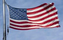 Indicateur américain déchiré en lambeaux Photo stock