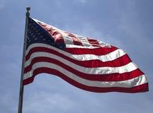 Indicateur américain dans le vent Photos stock