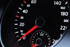 Indicateur de vitesse d'un véhicule Photo stock