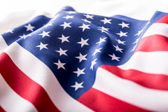 Indicateur des Etats-Unis Indicateur américain Vent de soufflement de drapeau américain Plan rapproché Projectile de studio Images stock