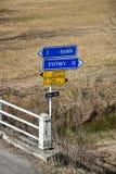 Indicateur directionnel du trafic Signes de l'information République Tchèque Photos stock